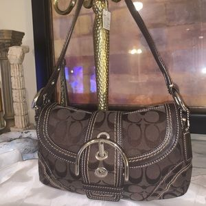 Coach small shoulder bag in mint condition